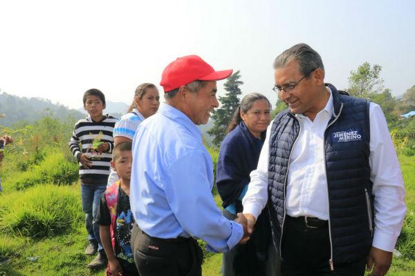 Jiménez conversó con pobladores de Huaxcaleca y Chichiquila