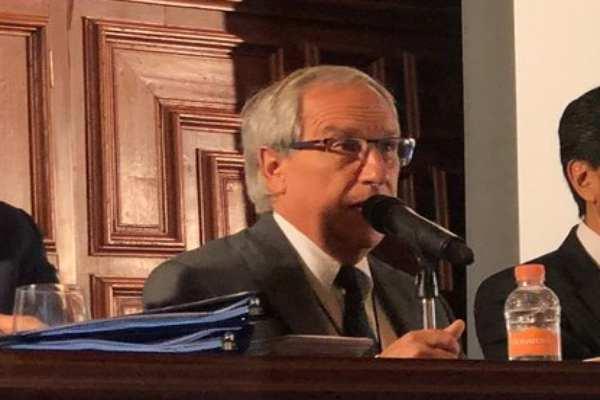 Cárdenas aseguró que no pertenece a ningún partido. Foto: @LariosHector