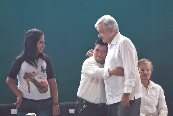 El presidente Andrés Manuel López Obrador dijo ayer que defenderá a los migrantes. Foto: Cuartoscuro