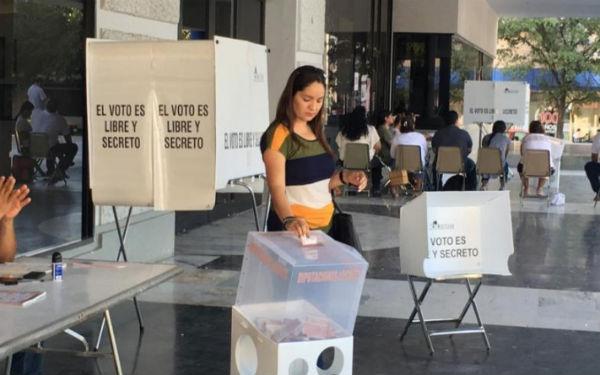 Los partidos políticos, agregó, tuvieron presencia de representantes de casilla en 99.3 por ciento de las casillas. FOTO: ESPECIAL