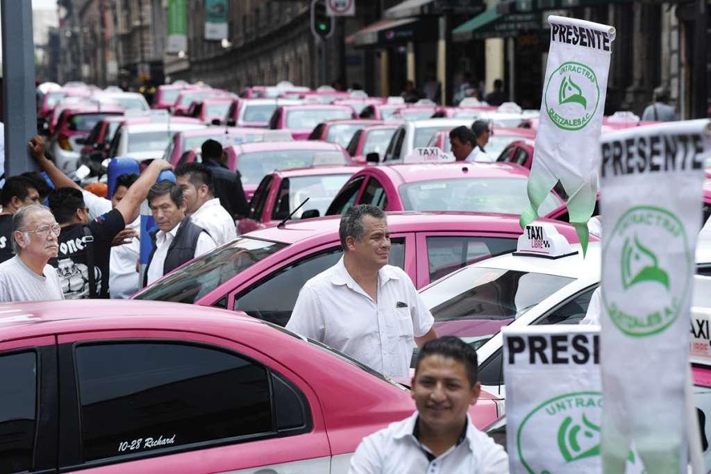 Miles de trabajadores del volante y concesionarios fueron llamados a manifestarse contra servicios como Uber.FOTO: LESLIE PÉREZ
