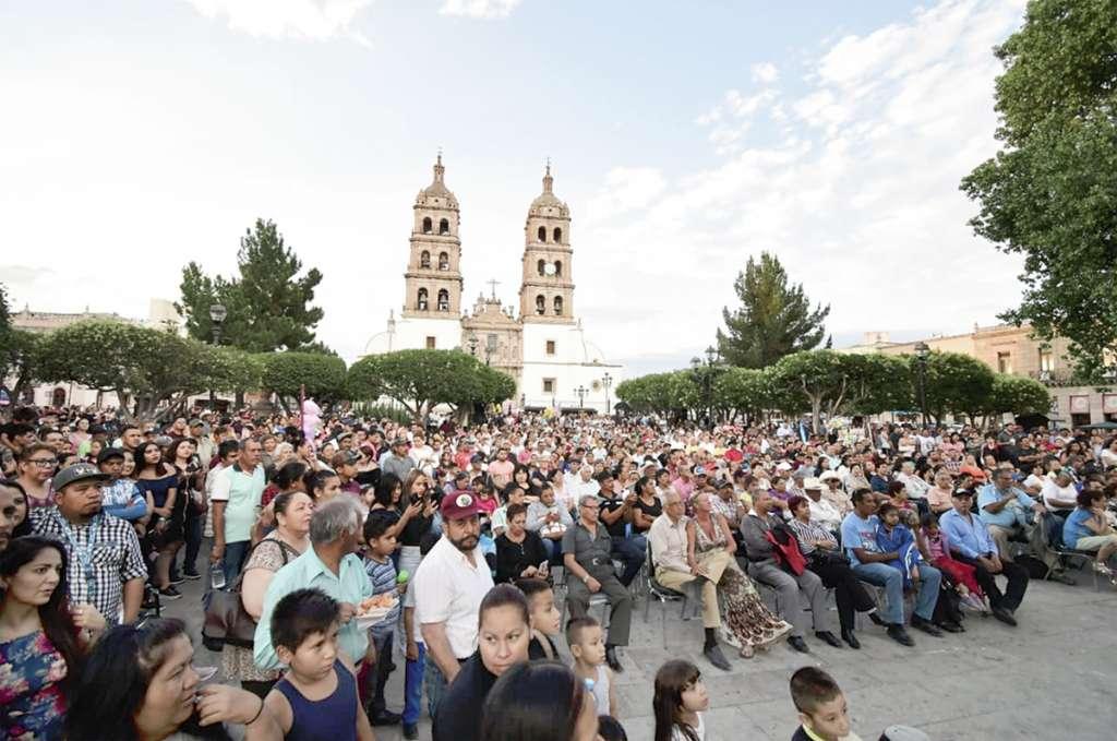 En la capital de Durango se dieron cita simpatizantes panistas, para festejar el eventual triunfo.FOTO: ESPECIAL