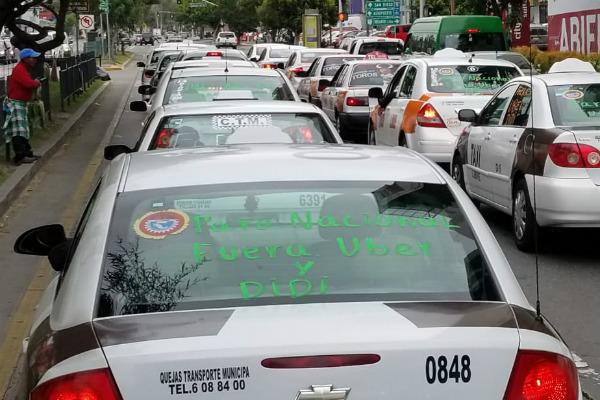 tijuana-taxistas-protestan