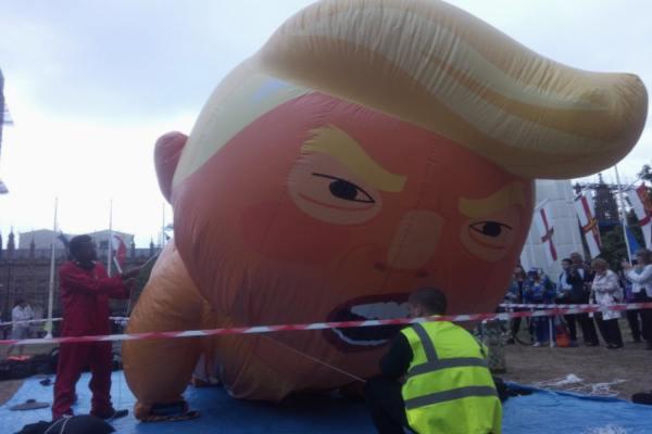 La manifestación se llevó a cabo en diversas partes de Reino Unido. Foto: @TrumpBabyUK