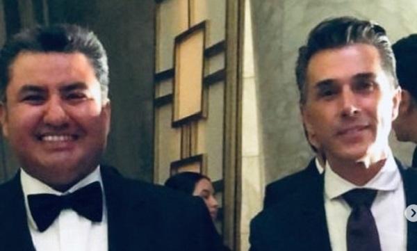 Los internautas han vinculado a Mayer Bretón con Naasón Joaquín García, arrestado este martes en California por tráfico de personas. Foto: Especial