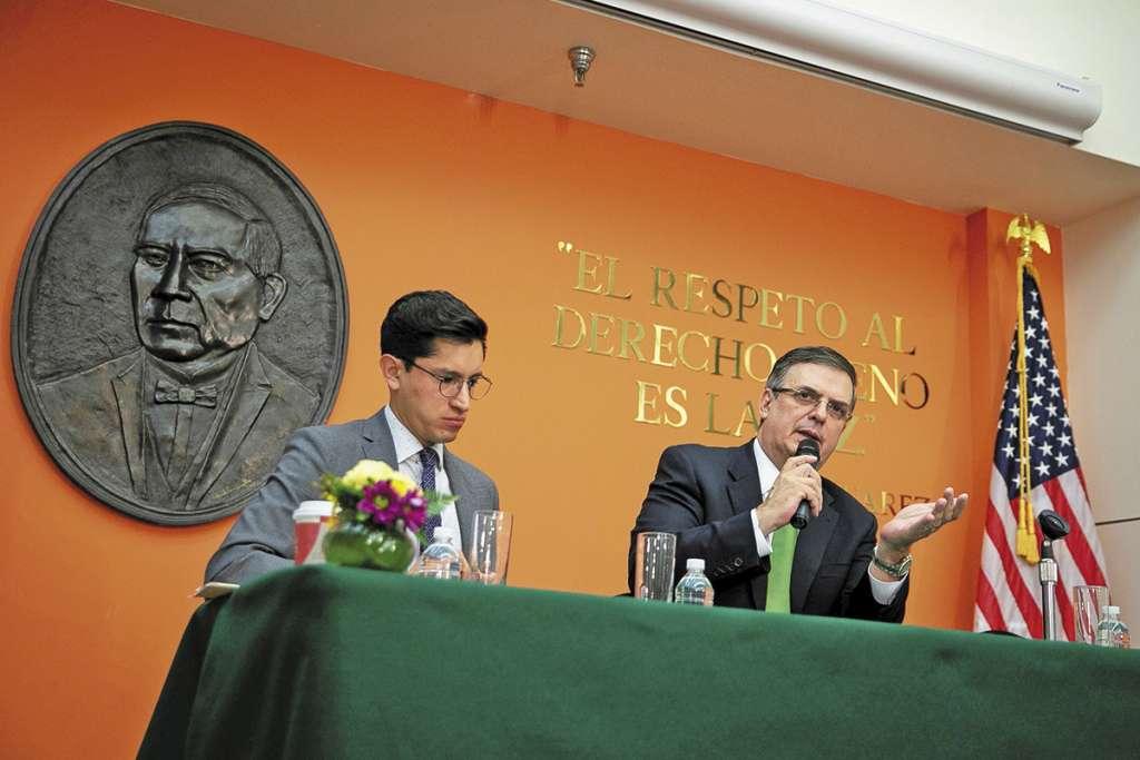 La comitiva mexicana se prepara para reunirse hoy con funcionarios de EU. FOTO: REUTERS