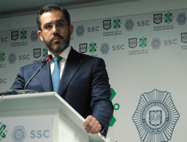 El titular de la Secretaría de Seguridad Ciudadana señaló que durante los operativos se han confiscado armas, drogas y dinero. FOTO: @SSP_CDMX