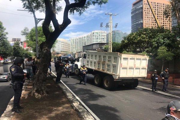Protesta-camiones-de-volteo-Moliere-Ejercito-Nacional