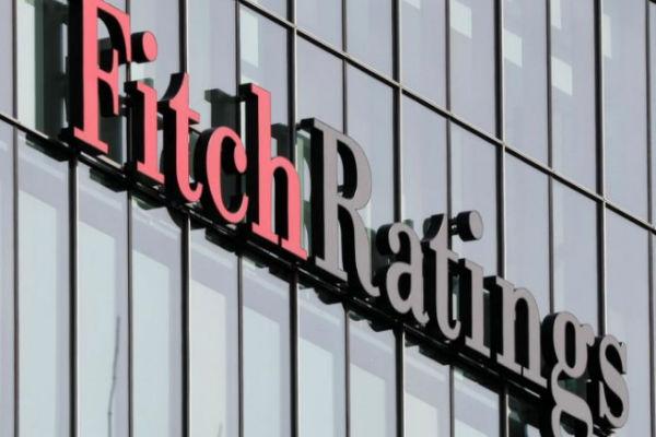 hacienda esta en grave desacuerdo con Fitch Ratings