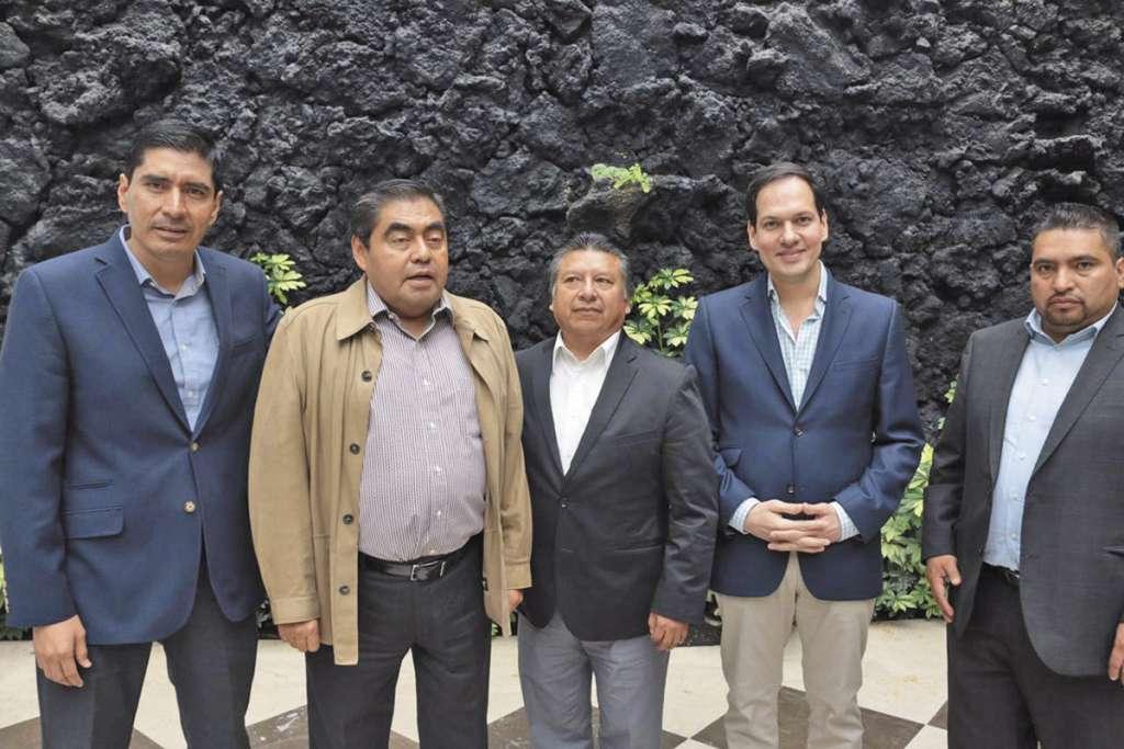 Barbosa se reunió con integrantes de la Junta de Gobierno y Coordinación Política del Poder Legislativo.FOTO: ESPECIAL
