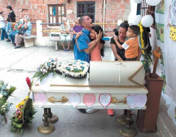 Erick, de 11 años, falleció hace una semana en Caracas en la espera de un trasplante de médula ósea. Foto: AP