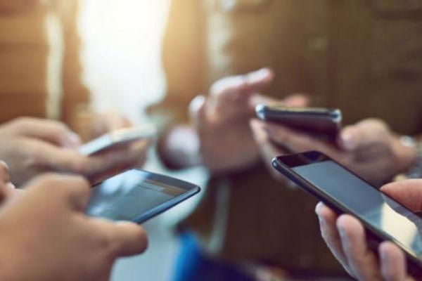 el mayor número de usuarios de WhatsApp son jóvenes de entre 21 y 30 años de edad