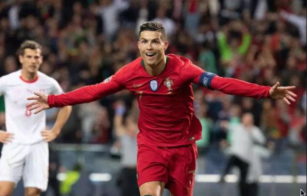 Con 16 años portando el manto de la selección de Portugal, Ronaldo ha conseguido dos títulos en el conjunto y clasificado a cuatro mundiales y cuatro Eurocopas. FOTO: ESPECIAL