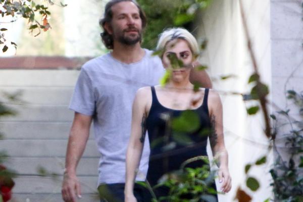 Captan a Lady Gaga saliendo de la casa de Bradley Cooper