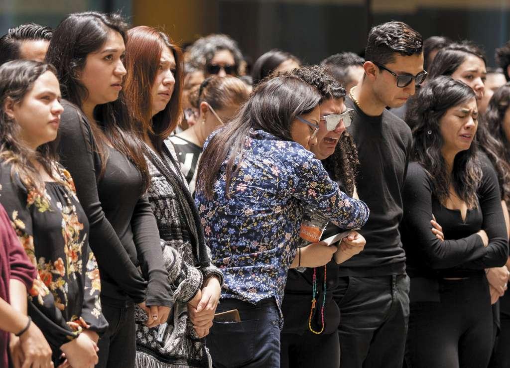 Amigos, familiares y compañeros recordaron emotivamente al joven de 22 años, estudiante de Mercadotecnia Internacional.FOTO:CUARTOSCURO