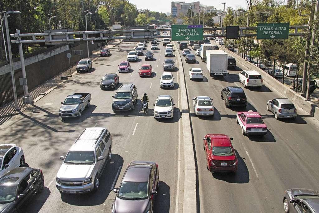 Los vehículos viejos deberían pagar más que los híbridos y eléctricos.FOTO: CUARTOSCURO