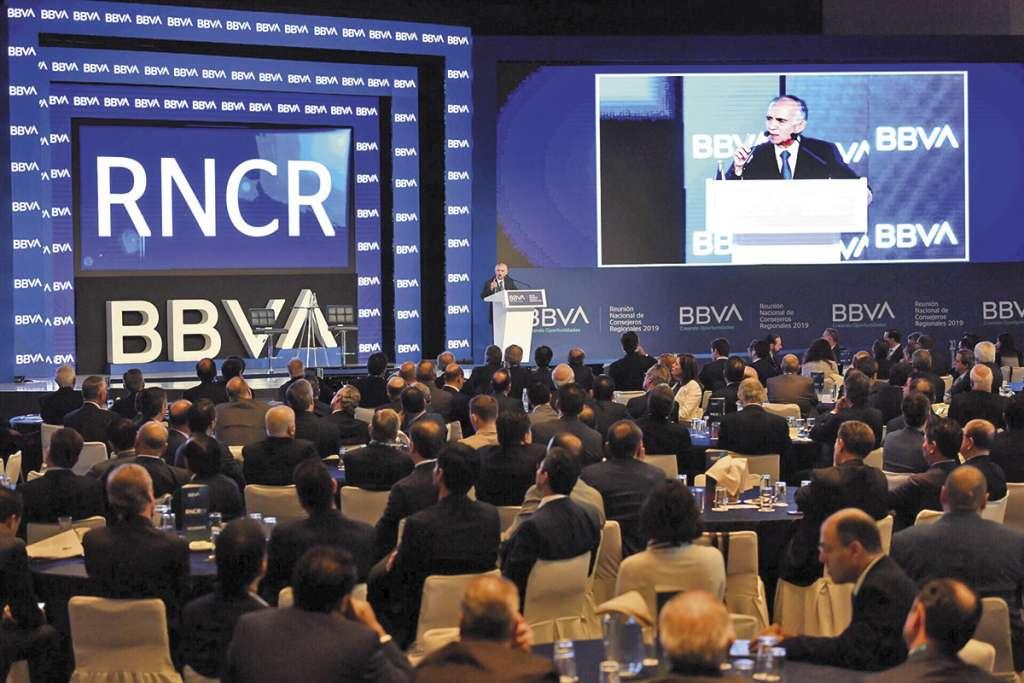 Alfonso Romo, jefe de la Oficina de Presidencia, dijo que el gobierno traza proyectos para que la petrolera sea más productiva.FOTO:PABLO SALAZAR