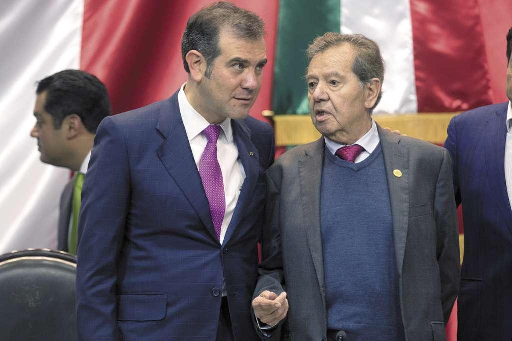 Lorenzo Córdova, presidente del INE, se reunió ayer con Porfirio Muñoz Ledo. FOTO:ESPECIAL