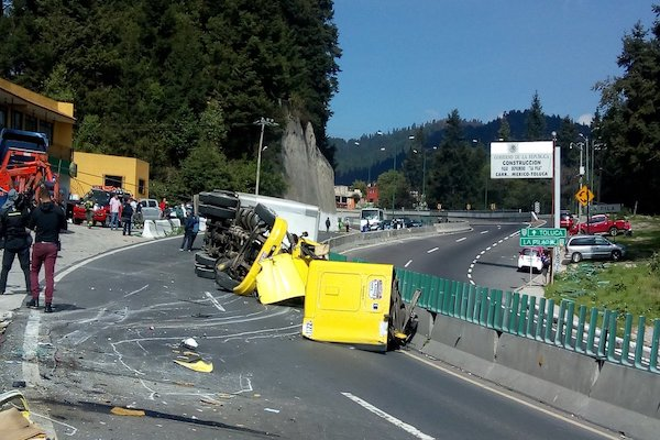 Circulacion-accidente-trailer-Mexico-Toluca