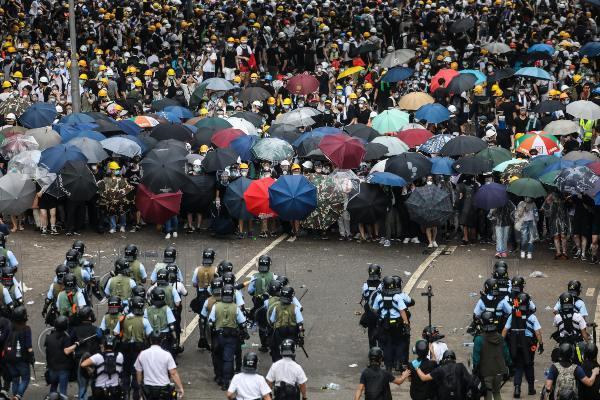 Los manifestantes temen que la ley abra la vía para perseguir a los opositores políticos. Foto: Archivo   AFP