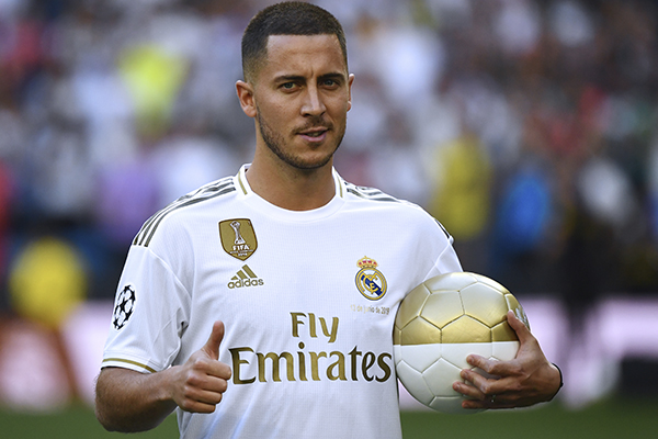 Este jueves fue presentado como nuevo refuerzo del Real Madrid. FOTO: AFP