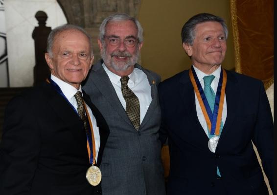 """""""Reconocimiento al Máximo Mérito como Egresado"""""""