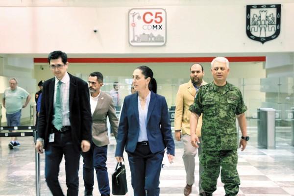 Claudia Sheinbaum aseguró que es imperativo fortalecer el área de Inteligencia de su administración. Foto: Especial