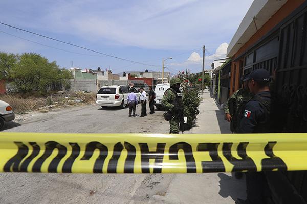 Autoridades confirmaron el fallecimiento de tres presuntos delincuentes. FOTO: CUARTPSCURO