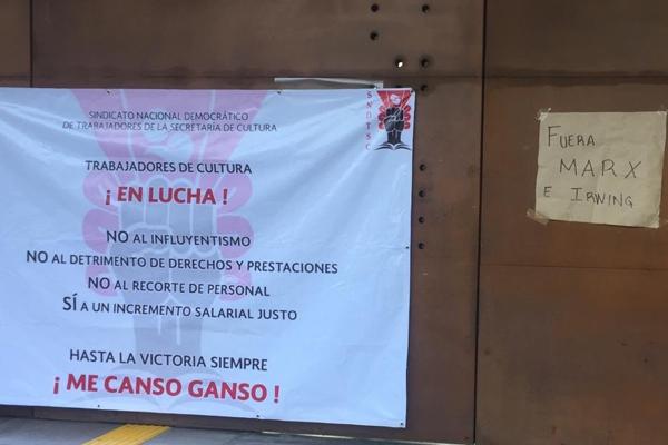 Biblioteca_Vasconcelos_Pancartas