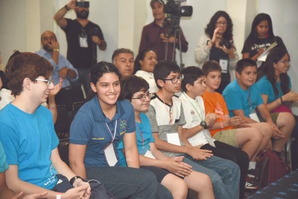 Los niños se mostraron entusiastas y ansiosos por emprender su viaje. Foto: Daniel Ojeda