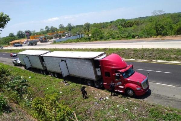 Rescatan a 45 migrantes más en Veracruz