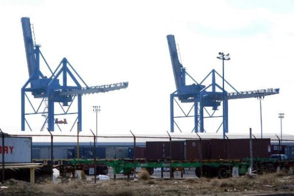 Incautan 16.5 toneladas de cocaína en barco en Filadelfia, Estados Unidos