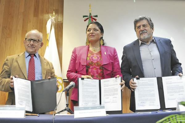 Estuvieron Alejandra Frausto y Rogelio Jiménez. Foto: Especial.