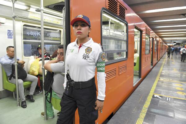 Las uniformadas estarán principalmente en el Sistema de Transporte Colectivo Metro. Foto: Especial.