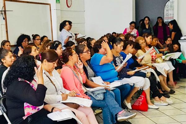 La Secretaría de Desarrollo Económico, impartió el taller: Mujeres Innovando. Foto: Especial.