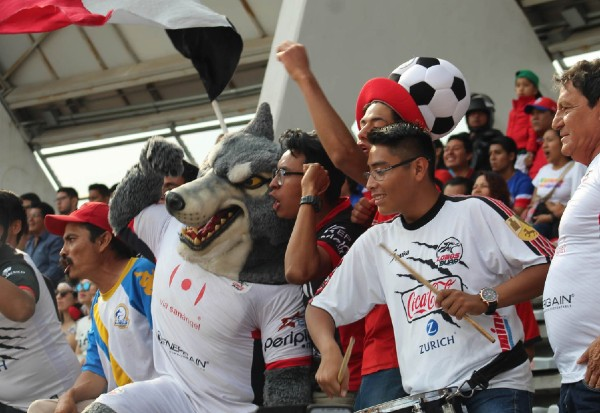 La afición de Lobos BUAP siempre ha sido fiel a su equipo. La Universidad se opone a la venta del equipo. Foto: Especial