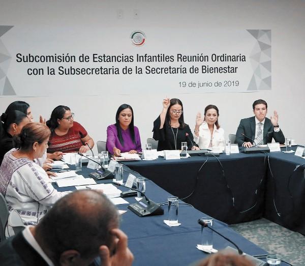 La subsecretaria de Bienestar Ariadna Montiel, se reunió con senadores. Foto: Especial
