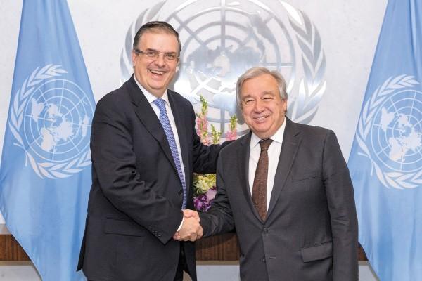 El secretario de Relaciones Exteriores, Marcelo Ebrard, se reunió ayer con el secretario general de la ONU, Antonio Guterres. Foto: Notimex