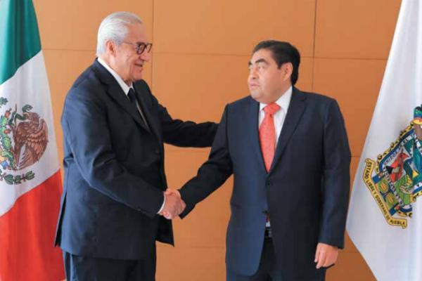 Durante el encuentro, Pacheco afirmó que Barbosa fue producto de unas elecciones sin fraude. Foto: Enfoque.