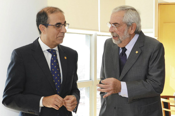 Graue y Castro Arroyo firmaron el convenio. Foto: Especial.