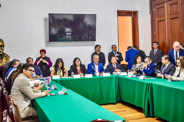 """Rigoberto Salgado apuntó que la seguridad pública se construye, """"no es un tema de ir a perseguir a los malos, sino de quitarles los espacios de operación y expansión"""". Foto: Especial."""