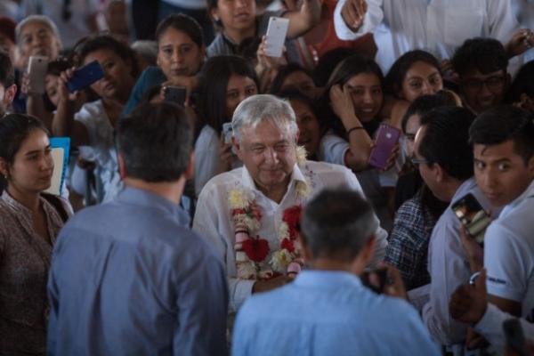 Tras apuntar que ya no habrá Seguro Popular, garantizó a la población que mejorará la atención en el servicio de salud. Foto Cuartoscuro