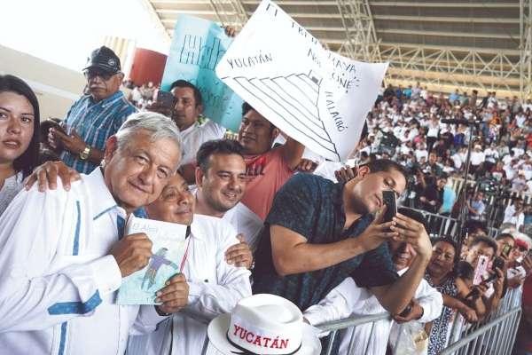El presidente López Obrador realizó una gira de trabajo por el estado de Yucatán. Foto: Cuartoscuro