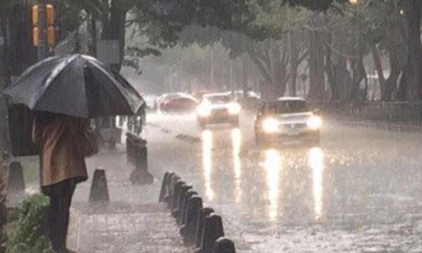 Las precipitaciones afectaron a nueve alcaldías previamente, alrededor de las 16:00 horas. Foto Especial