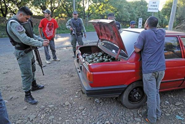 ILÍCITO. El atraco a vehículos que transportan el fruto va en aumento y causa alerta en productores. Foto: Cuartoscuro