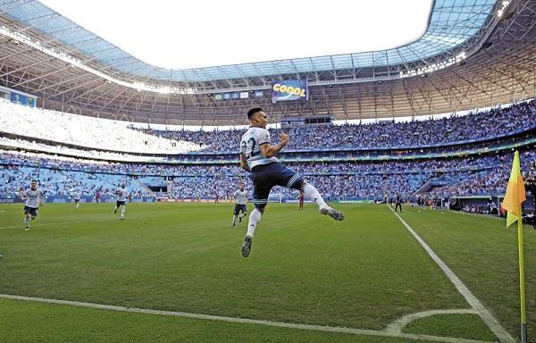 Argentina nunca ha perdido en Copa América, tras marcar en los primeros 4 minutos de un juego: 19 victorias y 2 empates. Foto: AP