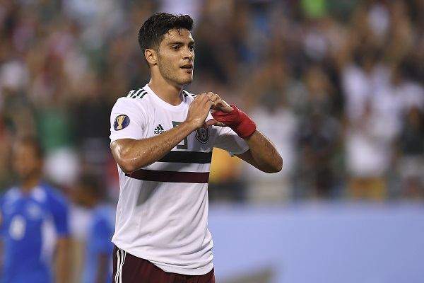 FINO. Raúl Jiménez marcó su segundo gol en la Copa Oro, tras un pase de Rodolfo Pizarro. Foto: MEXSPORT