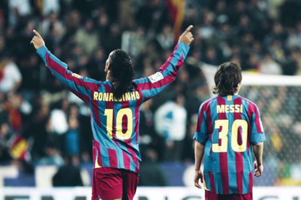 Lionel-Messi-Cumpleaños-32-felicitacion-Ronaldinho-Barcelona