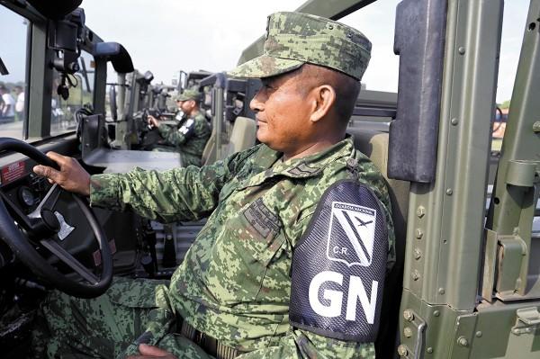 Integrantes de la Guardia Nacional preparan un operativo en el sur del país para frenar el paso de migrantes que buscan llegar a Estados Unidos. Foto: AP