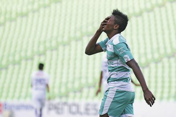 El atacante nacido en Guadalajara jugó en las divisiones inferiores del Santos Laguna de 2015 a 2017. Foto: MEXSPORT.